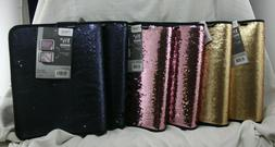 lot of four zipper binders with reverse